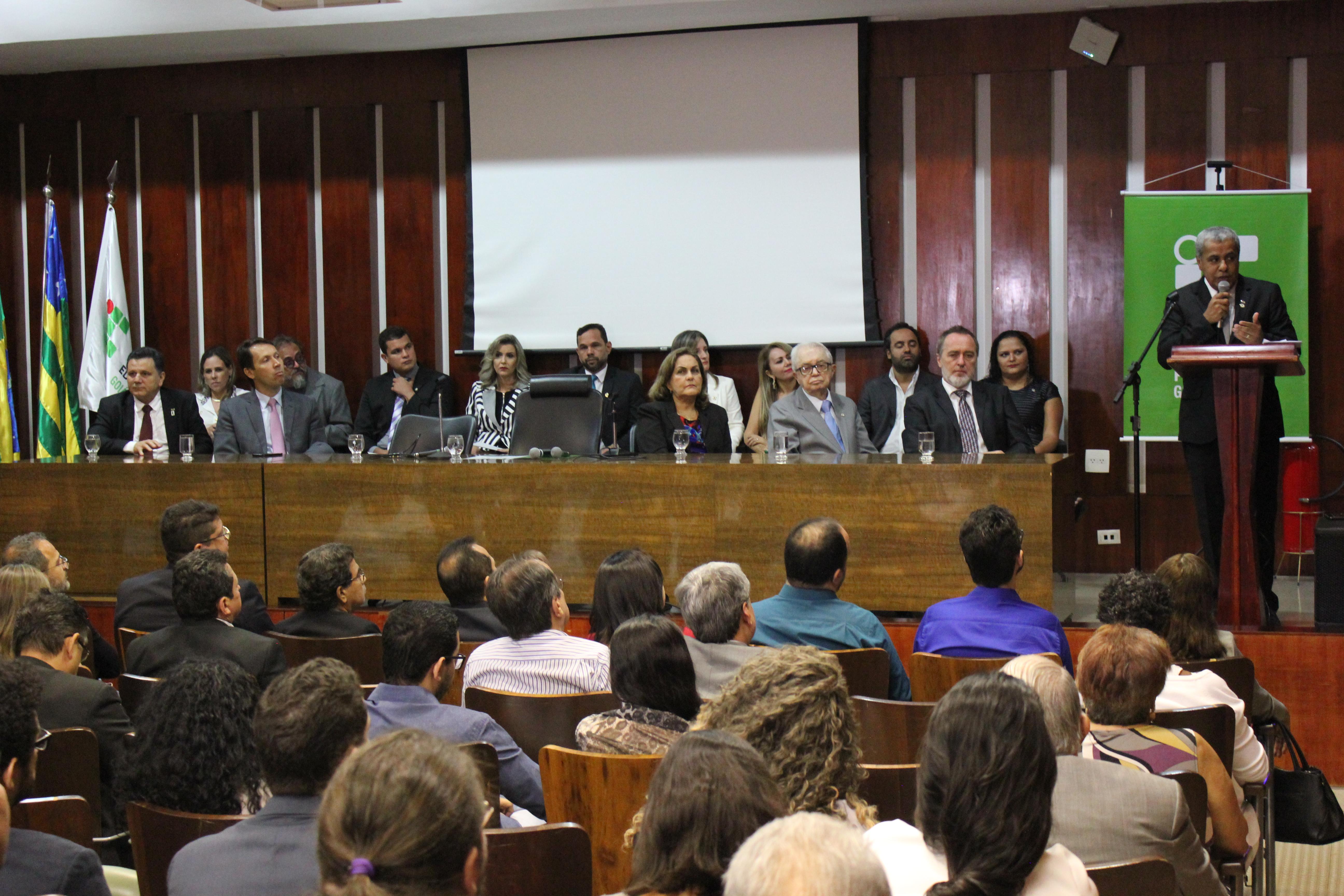 O reitor do IFG agradeceu aos ex-diretores dos câmpus e disse contar com o apoio integral dos dirigentes empossados